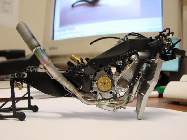 2004m1-042